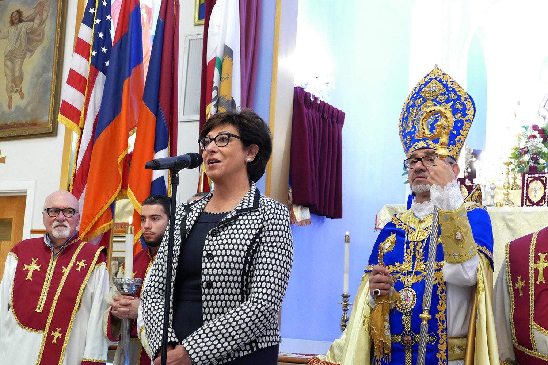 Frieda Jordan Addressing Congregation